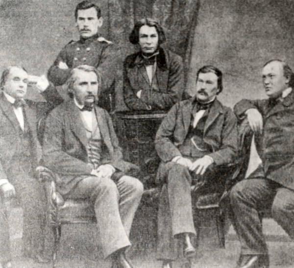 Л.Н. Толстой, Д.В. Григорович, И.А. Гончаров, И.С. Тургенев, А.В. Дружинин, и А.Н. Островский. Фотография 1856 год.