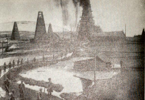Бакинские нефтяные промыслы. Фотография. Конец XIX века.