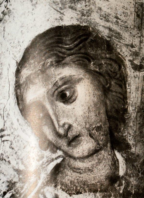 Голова ангела. Роспись большого свода Дмитриевского собора во Владимире-на -Клязьме. Деталь. Конец XII века.