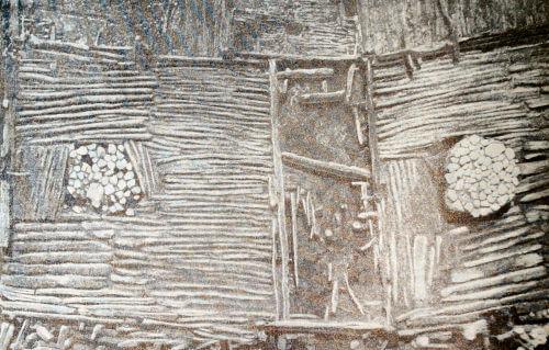 Остатки жилищ Бискупинского поселения: настил пола с каменными очагами. VII-V вв. до н.э.