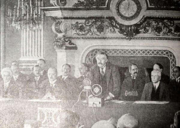 Выступление Бриана перед подписанием пакта Бриана - Келлога. Кадр из кинохроники. 1928 год.