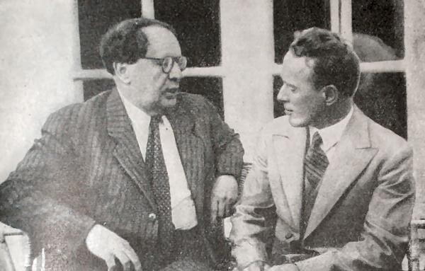 А. Н. Толстой и М. А. Шолохов. Фотография 1934 года.