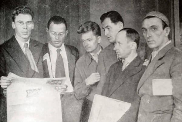 М. В. Куприянов, И. А. Ильф, Н. А. Соколов, Е. П. Петров, П. Н. Крылов и А. Г. Архангельский. Фотография 1934 года.