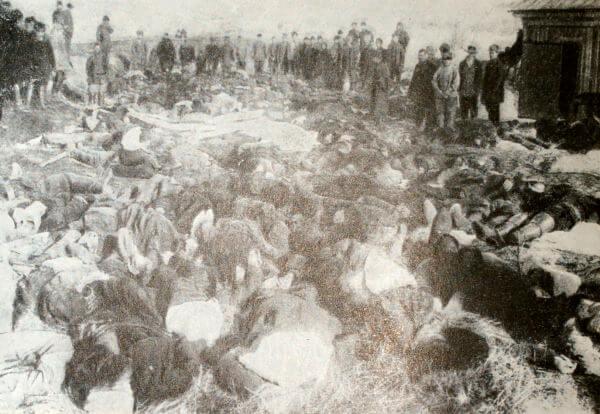 Жертвы Ленского расстрела. Фотография 1912 года.