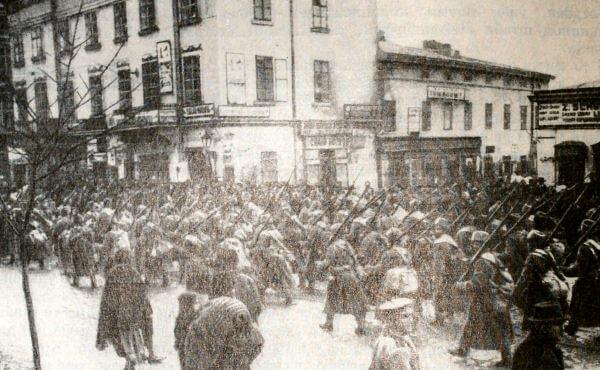 Вступление русских войск во Львов. Фотография 1914 года.
