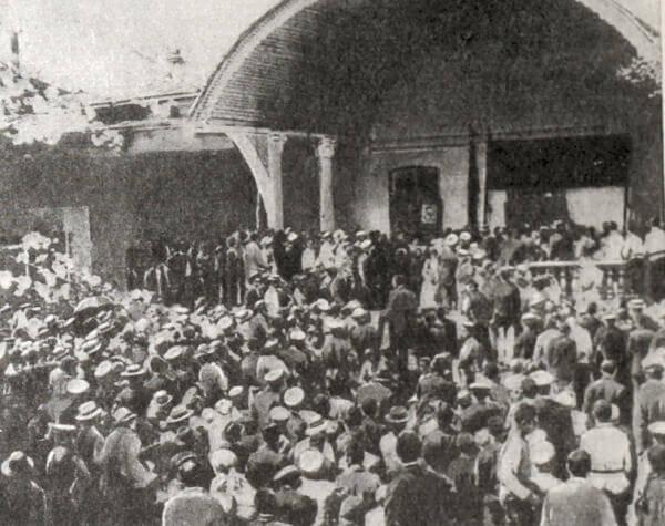 Собрание в Ташкенте 12 сентября 1917 года. Фотография.