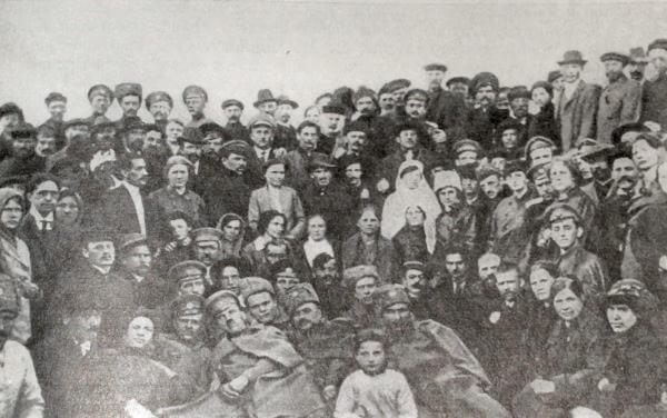 Ивано-Вознесенский Совет рабочих и солдатских депутатов. Фотография 1917 года.